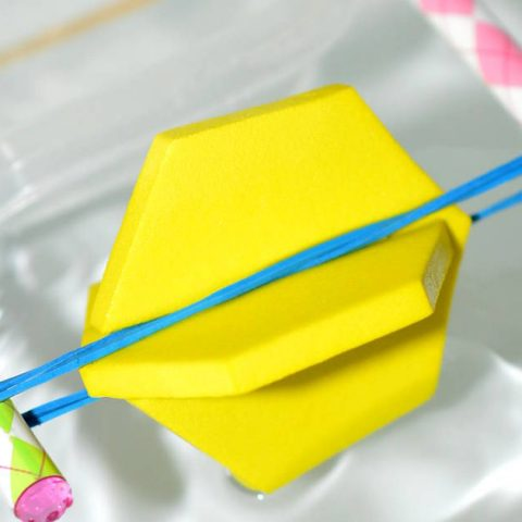 Build a paddle boat science experiment