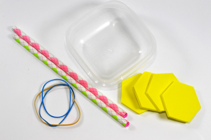 Build a paddle boat STEM summer activity